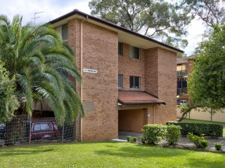 View profile: Well Priced Unit- Close to Transport & Shopping