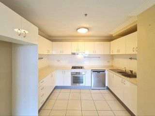View profile: 11th Floor Views ! Two week free Rent !!