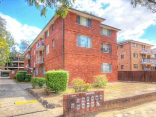 View profile: Fabulous spacious unit in the heart of Wentworthville - boasts location!