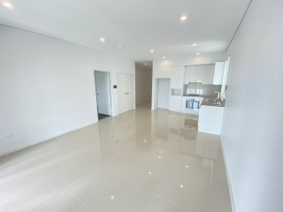 View profile: Luxurious 2 Bedroom Newly Built Unit! Close to all transport!
