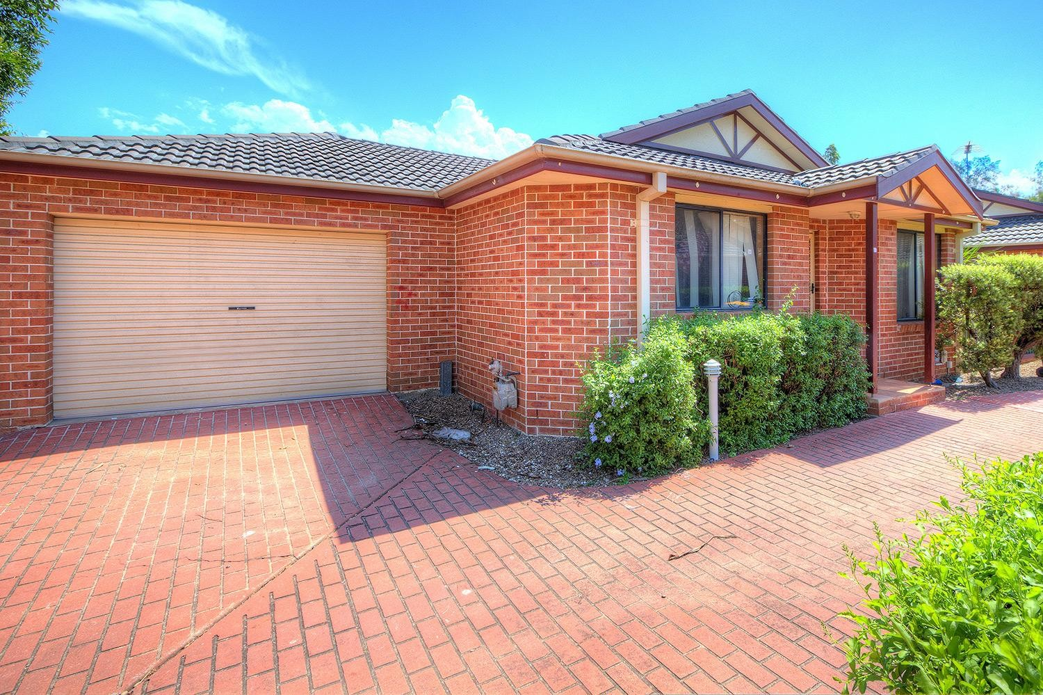 Located in Girraween School Catchment-Close to Transport